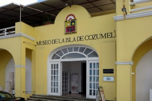 "© <a href=""https://commons.wikimedia.org/wiki/File:Museo_de_la_Isla_de_Cozumel.jpg"" target=""_blank"" rel=""nofollow"">David Stanley/Wikimedia</a>/<a href=""https://creativecommons.org/licenses/by/2.0/deed.en"" target=""_blank"" rel=""nofollow"">CC BY 2.0</a>"