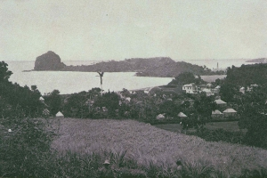 """© <a href=""""https://commons.wikimedia.org/wiki/File:Fort_Duvernette_and_Young%27s_Island_from_Calliaqua,_St._Vincent_1890s.jpg"""" target=""""_blank"""" rel=""""nofollow"""">Wikimedia</a>/Public domain"""