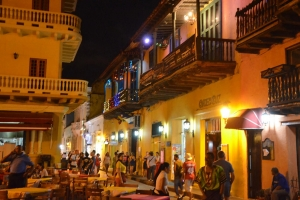 "© <a href=""https://commons.wikimedia.org/wiki/File:Plaza_Santo_Domingo,_Night_Scenes,_Cartagena,_Colombia_(24772757116).jpg"" target=""_blank"" rel=""nofollow"">Joe Ross/Wikimedia</a>/<a href=""https://creativecommons.org/licenses/by-sa/2.0/deed.en"" target=""_blank"" rel=""nofollow"">CC BY-SA 2.0</a>"