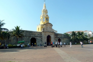 """© <a href=""""https://commons.wikimedia.org/wiki/File:023_Torre_del_Reloj_Cartagena_Colombia.JPG"""" target=""""_blank"""" rel=""""nofollow"""">         David Shankbone/Wikimedia</a>/<a href=""""https://creativecommons.org/licenses/by-sa/3.0/deed.en"""" target=""""_blank"""" rel=""""nofollow"""">CC BY-SA 3.0</a>"""